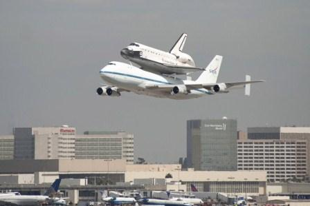 space-shuttle-transport-endeavour-arrives-la-stainless-steel-benefits